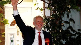Βρετανικές εκλογές: Ο Κόρμπιν κάλεσε την Μέι να παραιτηθεί