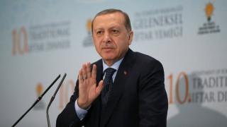 Υπέγραψε ο Ερντογάν το νόμο για την αποστολή τουρκικού στρατού στο Κατάρ