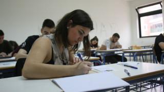 Πανελλαδικές Εξετάσεις 2017: Αυτά είναι τα θέματα σε Αρχαία και Μαθηματικά