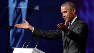 Η Μισέλ Ομπάμα αποκαλύπτει: Ο Μπαράκ φορούσε συνέχεια το ίδιο σμόκιν (pics)