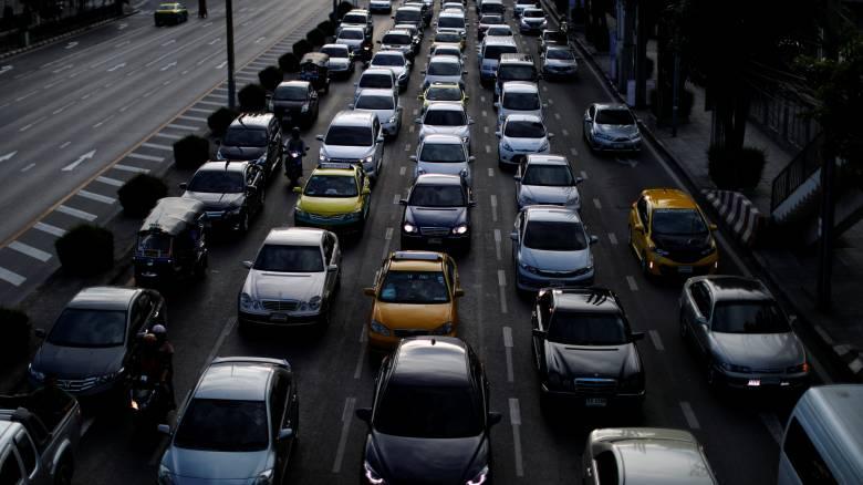 Κατακόρυφη η πτώση στις πωλήσεις αυτοκινήτων το Μάιο