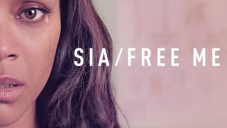 Sia: Με Ζοe Saldana & Τζούλιαν Μουρ στον αγώνα κατά του HIV (vid)