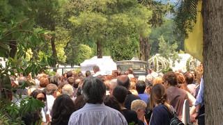 Μενίδι: Σπαραγμός στην κηδεία του 11χρονου Μάριου (pics&vid)