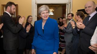 Βρετανία: Συμφωνία συνεργασίας Συντηρητικών με το DUP