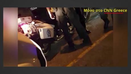 Αποκλειστικό: Διάσωση τραυματία από αστυνομικούς της ΔΙΑΣ στο κέντρο της Αθήνας