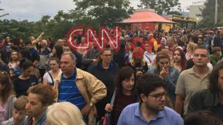 Μενίδι: Οργή λαού στους δρόμους - δακρυγόνα κατά της διαδήλωσης  (pics + vid)