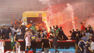 Α1 μπάσκετ: Διεκόπη ο αγώνας Ολυμπιακός - Παναθηναϊκός στο ΣΕΦ
