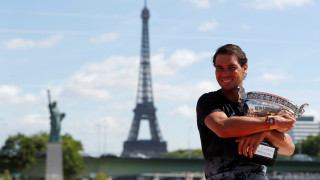 Roland Garros: Ο «ζωντανός θρύλος» του Ράφαελ Ναδάλ (pic+vid)