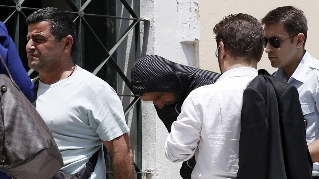 Μενίδι: Ελεύθερος με τριετή αναστολή ο 23χρονος Ρομά για τους άσκοπους πυροβολισμούς (pics)