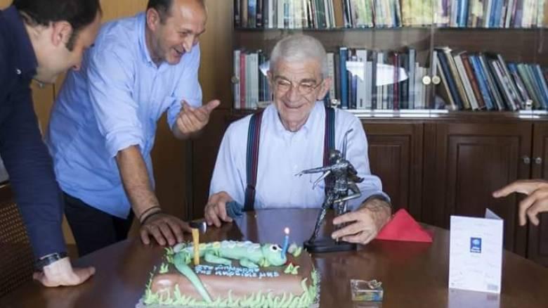 Η τούρτα... σαύρα του Γιάννη Μπουτάρη (pics)