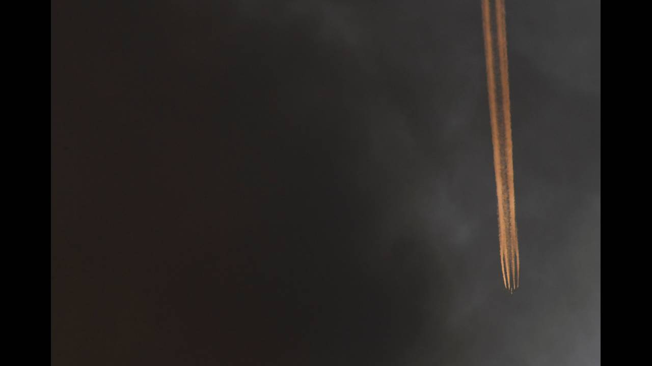 https://cdn.cnngreece.gr/media/news/2017/06/14/84769/photos/snapshot/2017-06-14T040752Z_889461597_RC16B613F5C0_RTRMADP_3_BRITAIN-FIRE.JPG