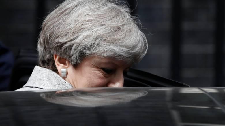 Βρετανία: «Βαθιά θλίψη» εκφράζει η Τερέζα Μέι