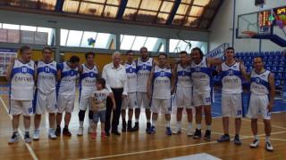 Βουλευτές σε αγώνα μπάσκετ για καλό σκοπό (pics)