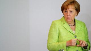 Η Μέρκελ δηλώνει έτοιμη για τις σκληρές διαπραγματεύσεις του Brexit