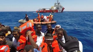 Ιταλία: Πάνω από 1.000 μετανάστες διασώθηκαν στα ανοικτά της Λιβύης