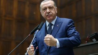 Ερντογάν: Θα ανταποδώσουμε πολιτικά τα εντάλματα σύλληψης των ΗΠΑ