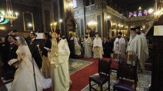 Ο Μητροπολίτης Φθιώτιδας απαγορεύει τον στολισμό της Εκκλησίας σε γάμους και βαπτίσεις