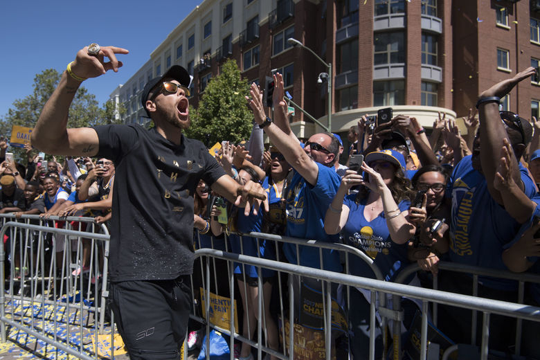 2017 06 15T185139Z 65411146 NOCID RTRMADP 3 NBA GOLDEN STATE WARRIORS CHAMPIONSHIP CELEBRATION