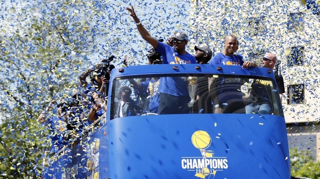 NBA: Η παρέλαση των πρωταθλητών Γκόλντεν Στέιτ Γουόριορς (pic+vid)