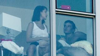 Bella Hadid: Eπιτίθεται στους παπαράτσι για την ιδιωτικότητα της