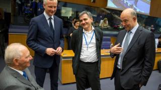 SZ: Το τρικ του Σόιμπλε στο Eurogroup - Η γραβάτα του Τσίπρα έμεινε στη ντουλάπα