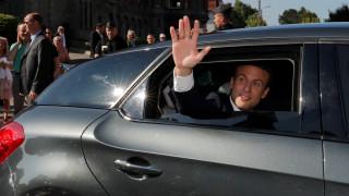 Γαλλία: Άνοιξαν οι κάλπες των βουλευτικών εκλογών - Προς σαρωτική νίκη το κόμμα του Μακρόν