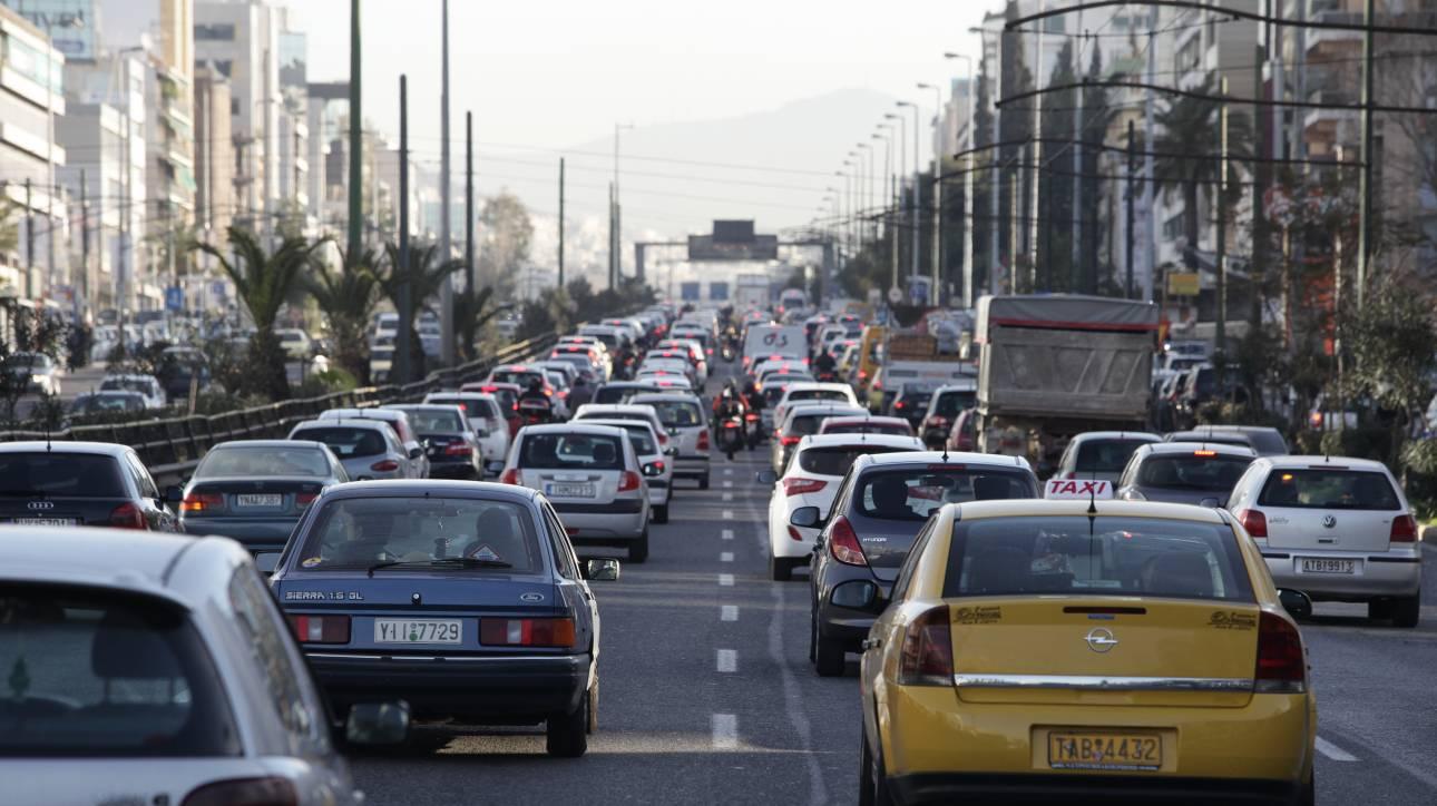 Προβλήματα στα «ραβασάκια» του υπουργείου Οικονομικών για τα ανασφάλιστα οχήματα