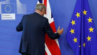 Brexit: Συνάντηση Μπαρνιέ - Ντέιβις για την έναρξη των διαπραγματεύσεων