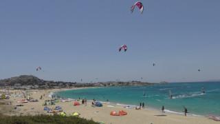 Σοβαρός τραυματισμός τουρίστριας που έκανε Kite surf στη Νάξο