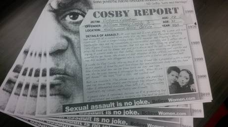 Mπιλ Κόσμπι: Η Λένα Ντάναμ αντιδράει οργισμένα για την κακοδικία