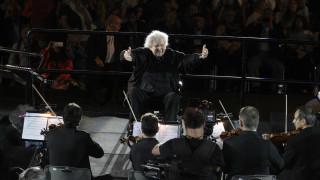Συναυλία Μίκη Θεοδωράκη: Συγκίνηση και πλήθος κόσμου στο ιστορικό αφιέρωμα  (pics)