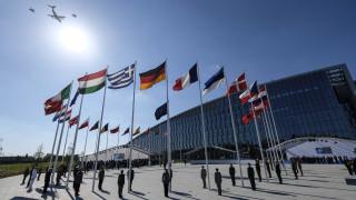 Η πρώτη Σύνοδος Κορυφής για τον Μακρόν και το «μπλόκο» στην Τερέζα Μέι