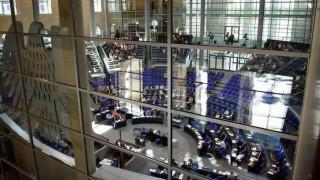 Οι Γερμανοί βουλευτές ήθελαν να «στριμώξουν» τον Σόιμπλε μέσω της Ελλάδας