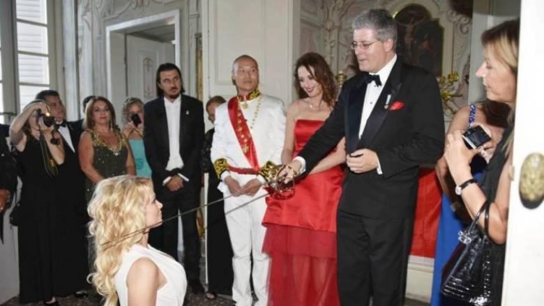 Έλεγε πως είναι «πρίγκηπας του Μαυροβουνίου» και ...απόγονος του Μέγα Κωνσταντίνου (pics)