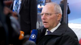 Επίθεση στον Σόιμπλε από το SPD: «Φοβάται το ελληνικό χρέος όπως ο διάβολος το λιβάνι»