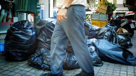 Λόφοι από σκουπίδια και τις επόμενες ημέρες στην Αττική