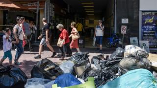 Τόνοι τα σκουπίδια στη Θεσσαλονίκη - Κλιμακώνουν τις κινητοποιήσεις οι συμβασιούχοι
