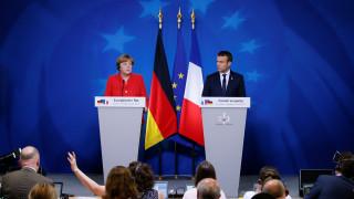 Η συμβολική κίνηση Μέρκελ-Μακρόν - «Καλό που δεν μιλήσαμε για την Ελλάδα»