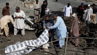 Βομβιστικές επιθέσεις συγκλονίζουν το Πακιστάν - Δεκάδες νεκροί και τραυματίες (pics)