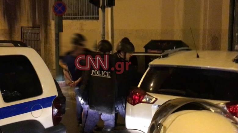 Συνελήφθη ο άνδρας που είχε ταμπουρωθεί σε σπίτι στον Κολωνό