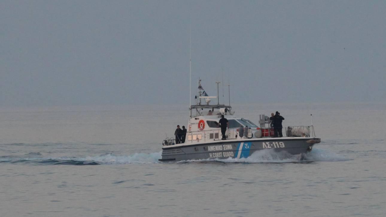 Λαχτάρισαν οι 120 πρόσφυγες ακυβέρνητου πλοίου στην Κάρπαθο