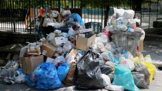 Παραμένει το αδιέξοδο με τα σκουπίδια