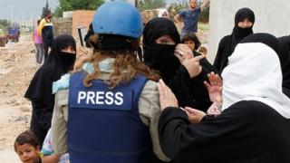 Πέθανε γαλλίδα δημοσιογράφος που τραυματίστηκε σε έκρηξη στη Μοσούλη
