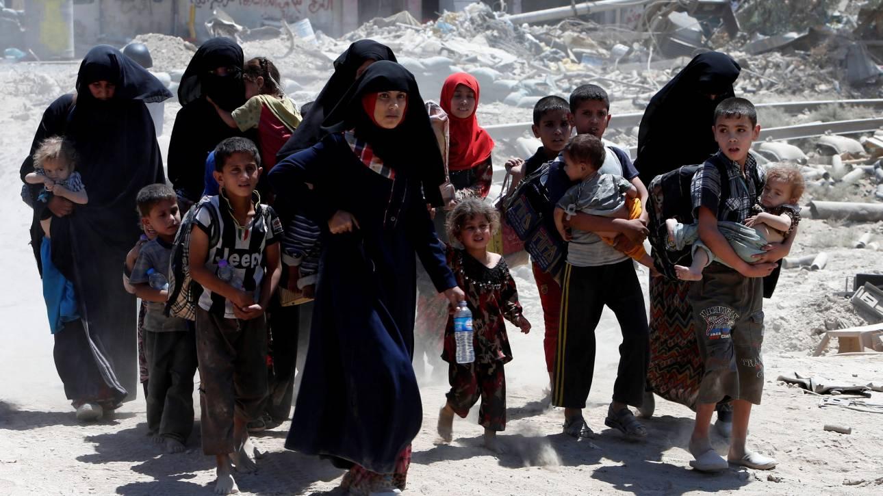 Μοσούλη: Ανοίχτηκαν δίοδοι διαφυγής για εκατοντάδες αμάχους (pics)