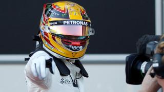 F1: Κυρίαρχος και στο Μπακού ο Λιούις Χάμιλτον, 66η pole position (vid)