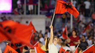 Στις κάλπες για τις βουλευτικές εκλογές οι πολίτες στην Αλβανία