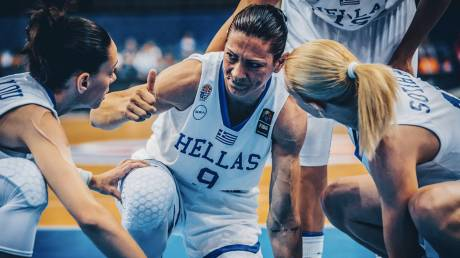 Eurobasket 2017 γυναικών: Αποθέωση στο ξενοδοχείο και φουλ για χάλκινο (vid)