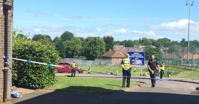 Βρετανία: Αυτοκίνητο έπεσε πάνω σε πεζούς κατά τη διάρκεια θρησκευτικής γιορτής (pics&vids)