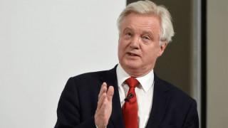 Ντέιβιντ Ντέιβις : Βέβαιος για τη διαπραγμάτευση μίας καλής συμφωνίας με την Ε.Ε.