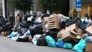 Παραμένουν βουνά τα σκουπίδια στους δρόμους, συνεχίζονται οι κινητοποιήσεις της ΠΟΕ-ΟΤΑ